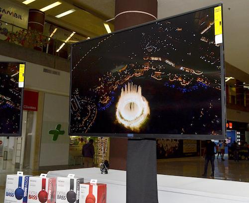 Equipos Televisores Bravia 4K HDR y los novedosos equipos de Audio Extra Bass Wireless Inalámbricos Sony.