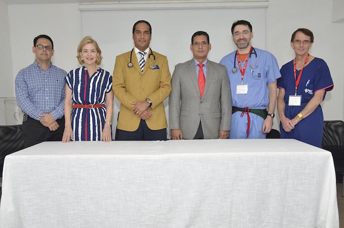 Fausto Santos, Susana Messina de Caro, Víctor Cuello, Freddy Madera, Daniel J. Woodward y Andrew Cochrane