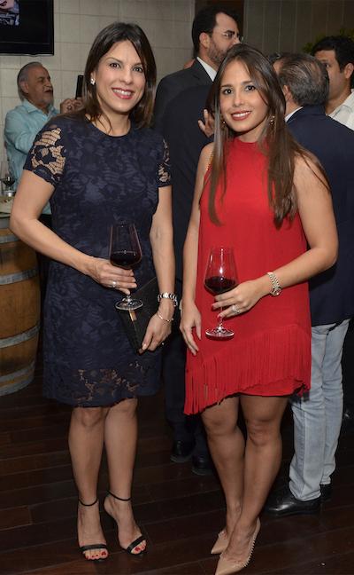 Marisol Muñoz de García y Gilda Mejia de Martínez
